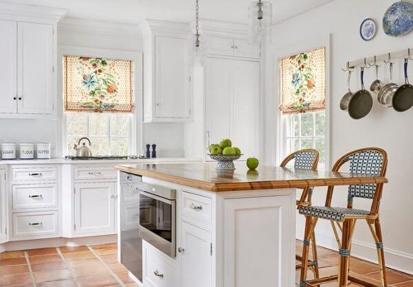 Cortina para cozinha estampada