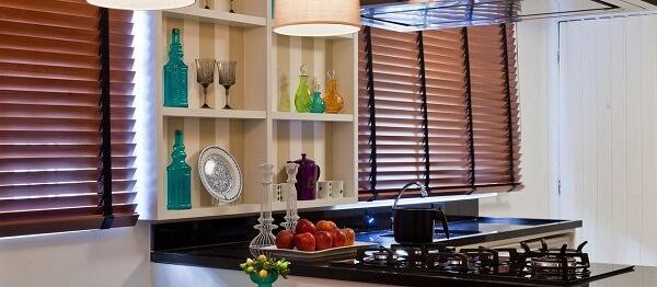 Cortina para cozinha na cor marrom
