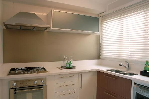 Cortina para cozinha persiana branca