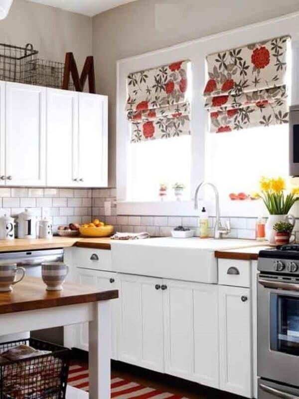 Cortina para cozinha simples e delicada