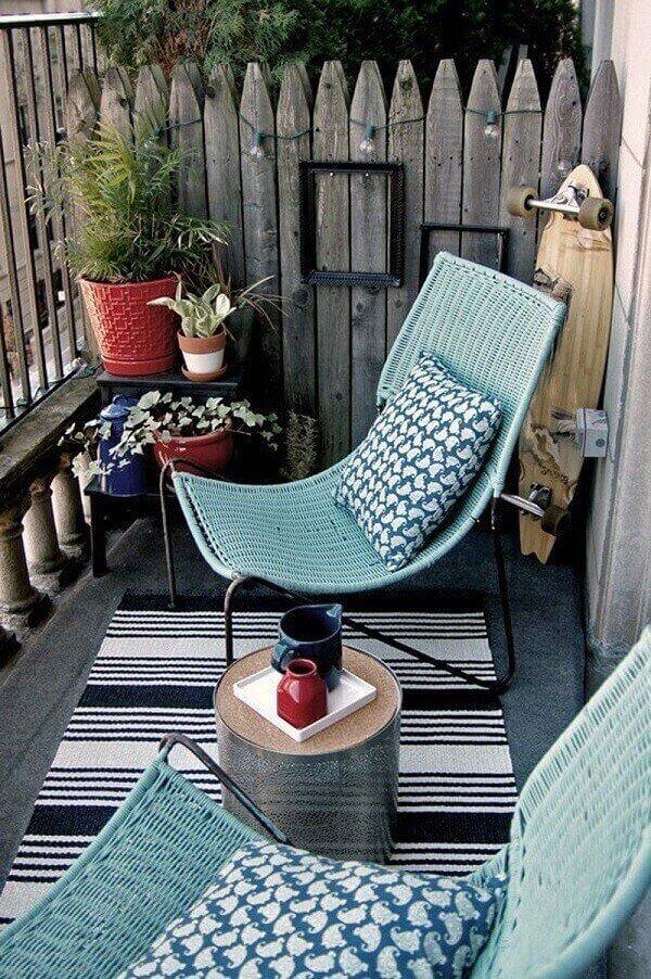 Crie um ambiente mais íntimo para sua varanda boho