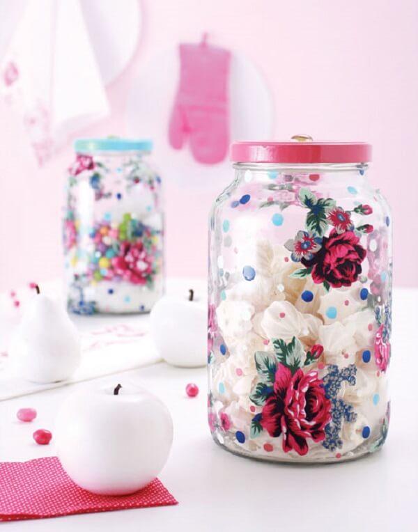 Decoupage em vidro com estampa floral
