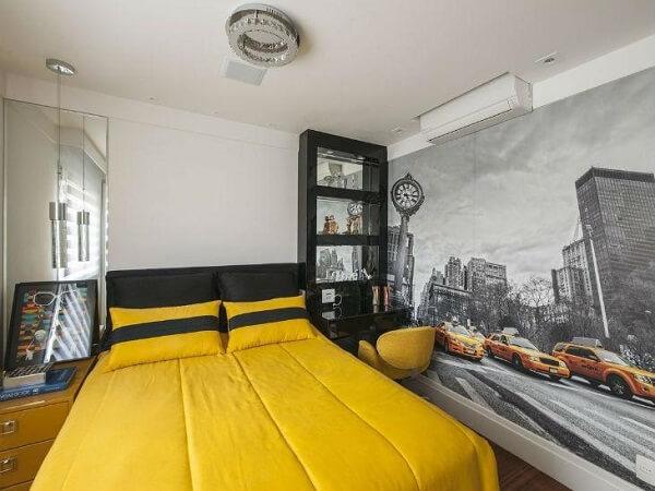 Estante para quarto com escrivaninha embutida