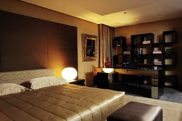 Estante para quarto de casal vazada na cor preta