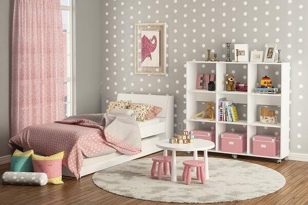 Estante para quarto de menina com nichos vazados
