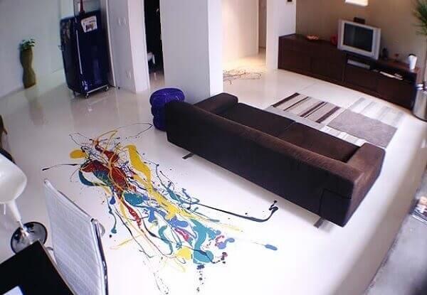 Explore desenhos abstratos ao incluir piso 3D na decoração