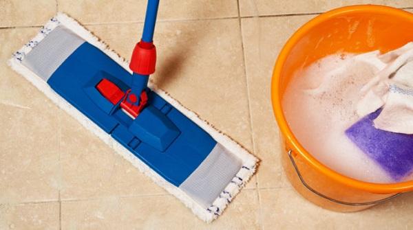 Como limpar piso porcelanato