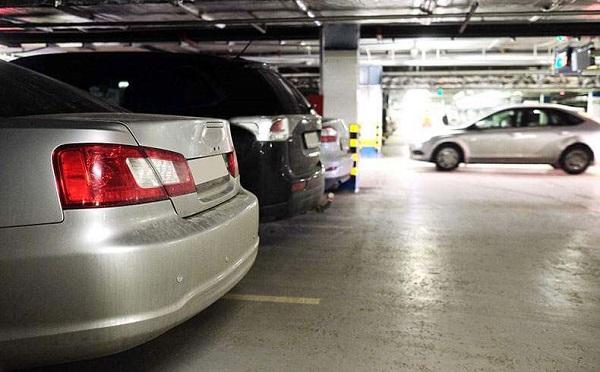 Piso para garagem feito de concreto