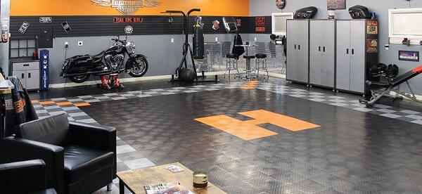 Piso para garagem com superfície emborrachada