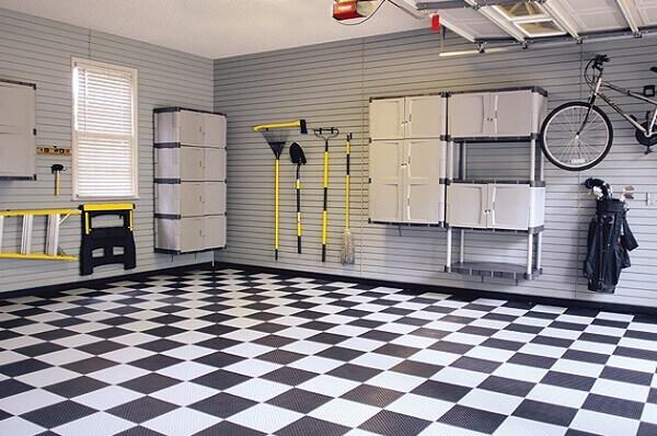 Piso para garagem com textura emborrachada nas corres branco e preto
