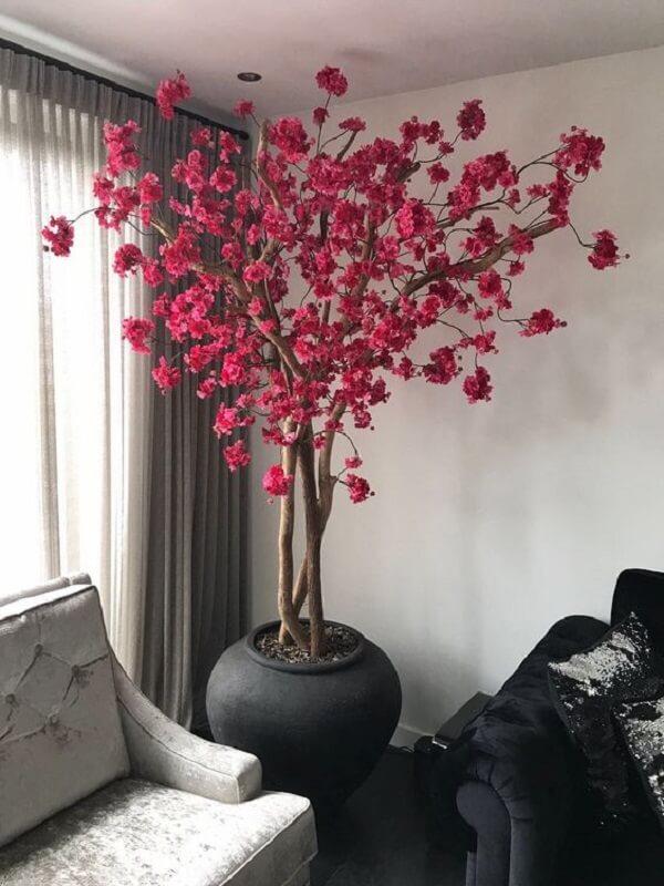 Plantas artificiais encantam a decoração da sala de estar
