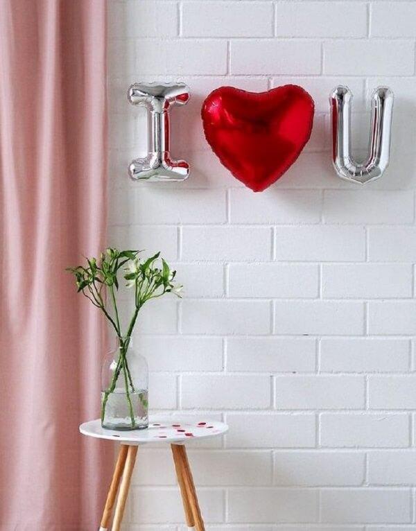 Poucos detalhes podem fazer muito diferença na decoração de dia dos namorados. Fonte: Pinterest