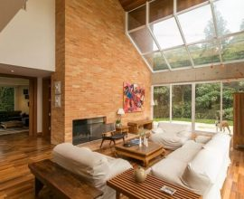 Tijolo ecológico decora o ambiente interno da casa