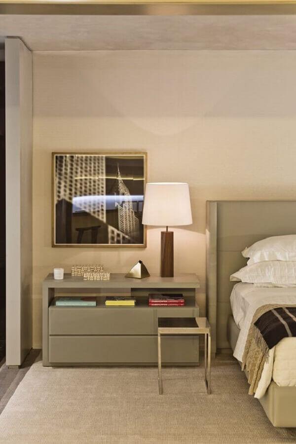 abajur para quarto de casal decorado com cores neutras Foto Casa Três Chic
