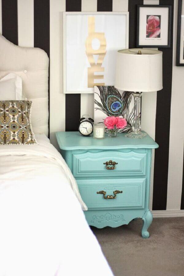 abajur para quarto feminino decorado com criado mudo azul tiffany Foto Neu dekoration stile