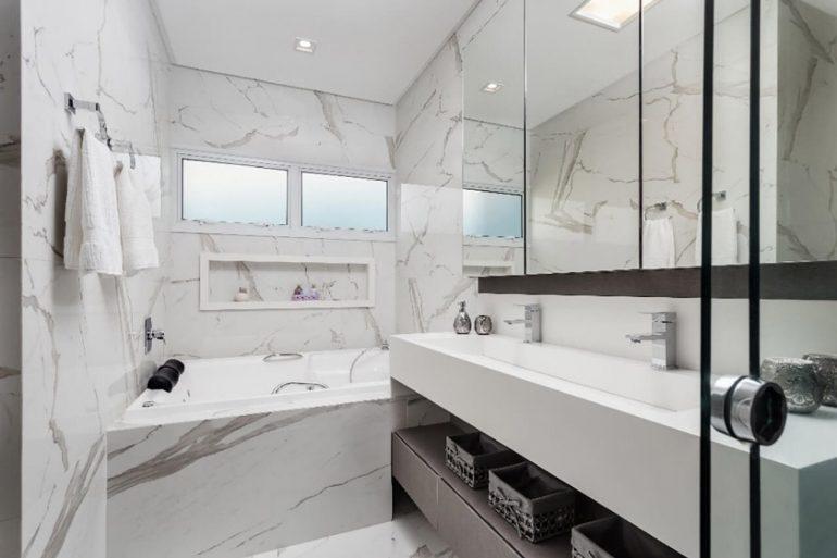 Pia de porcelanato para banheiro elegante
