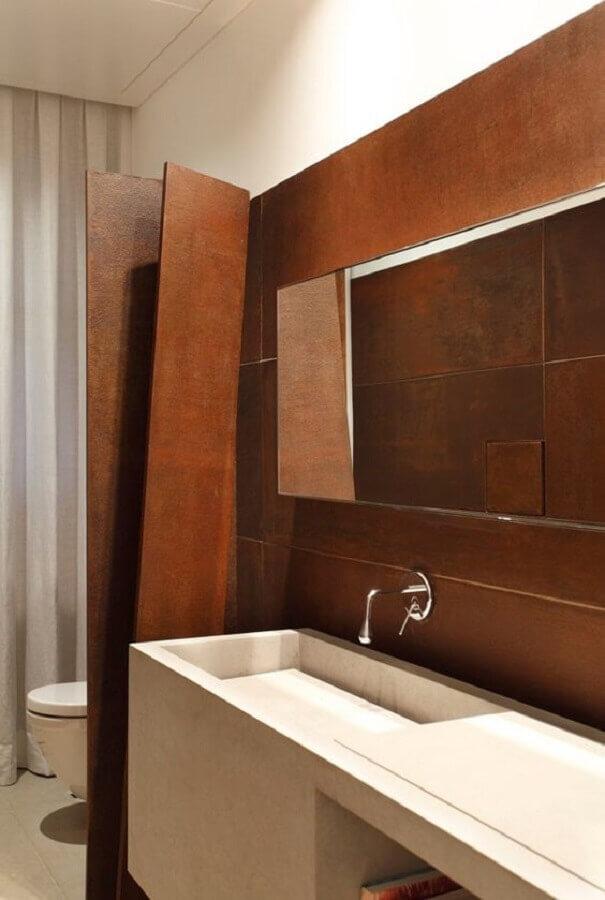 banheiro decorado com porcelanato aço corten Foto Archilovers