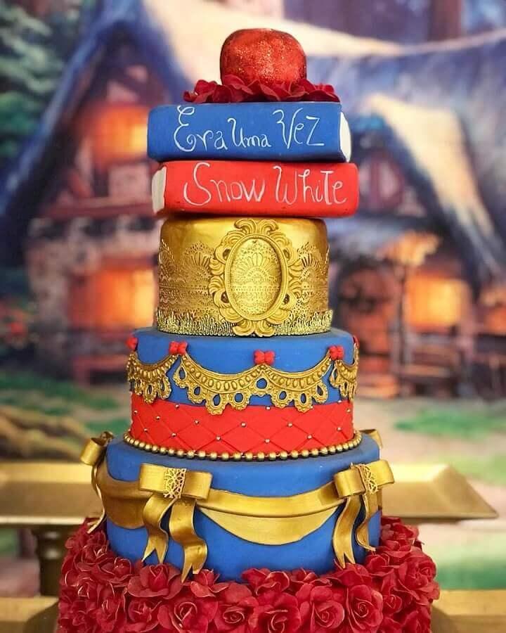 bolo decorado para festa branca de neve Foto Claudia Coffee Decorações