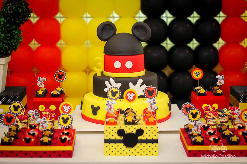 bolo para festa do mickey mouse tradicional Foto Michelle Castilho