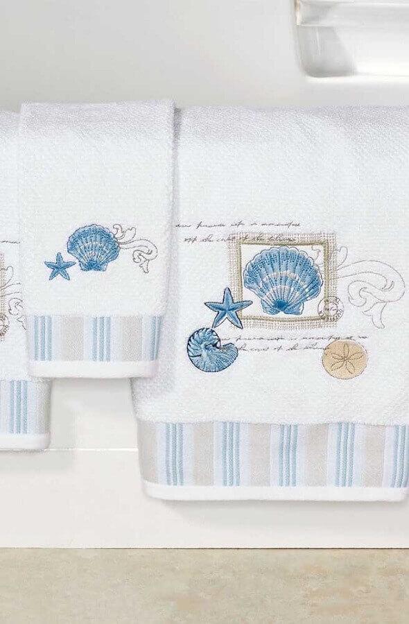bordados em toalha com tema fundo do mar Foto Pinterest