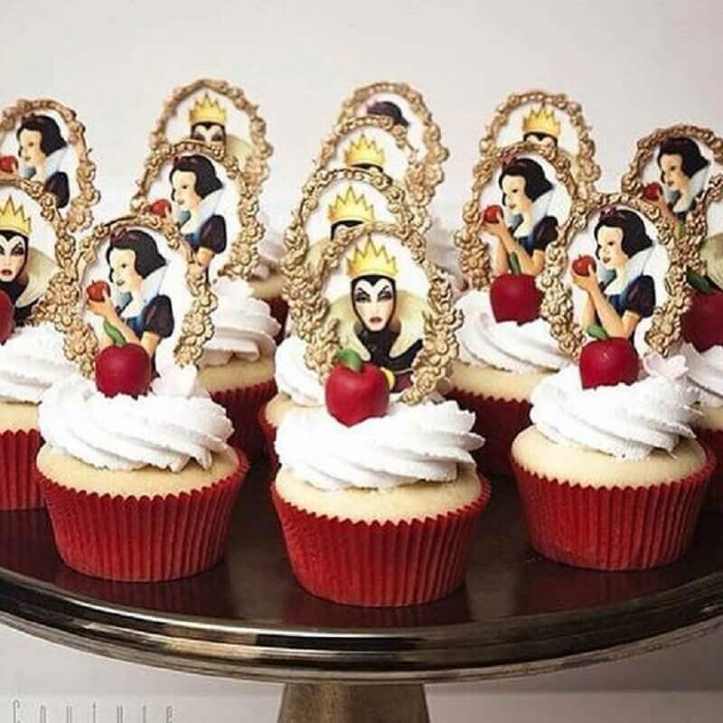 cupcakes decorados para festa da branca de neve Foto Pinosy