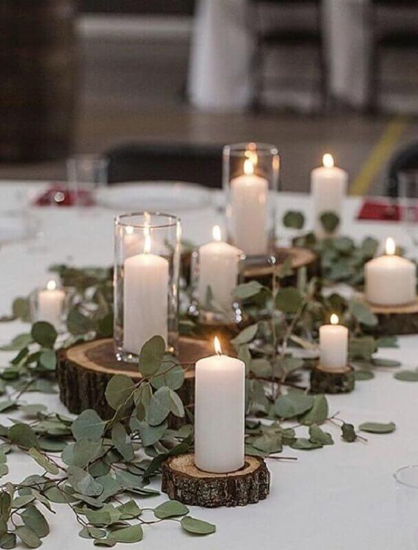 decoração bodas de pérola com velas e folhagens Foto Casamentos