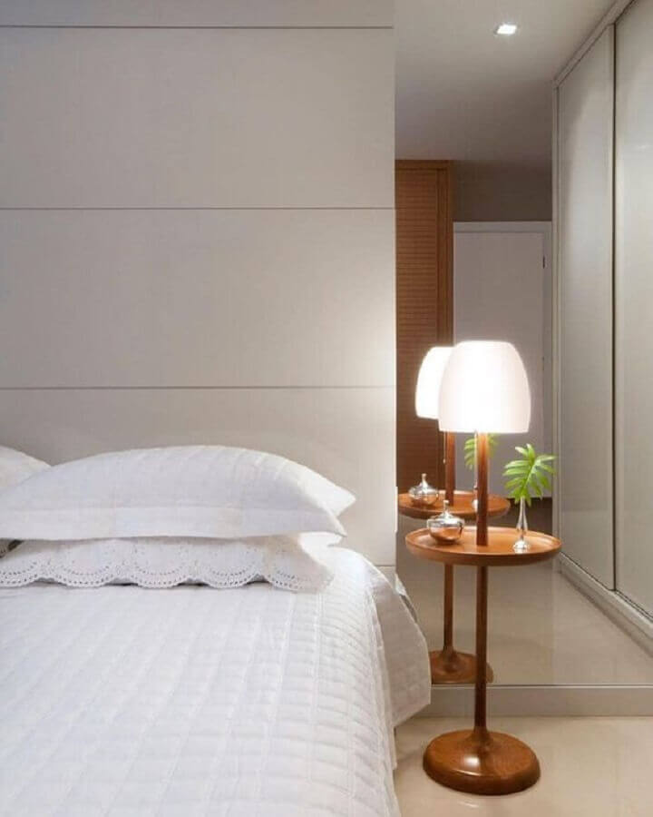 decoração clean com abajur para quarto de casal Foto Pinterest