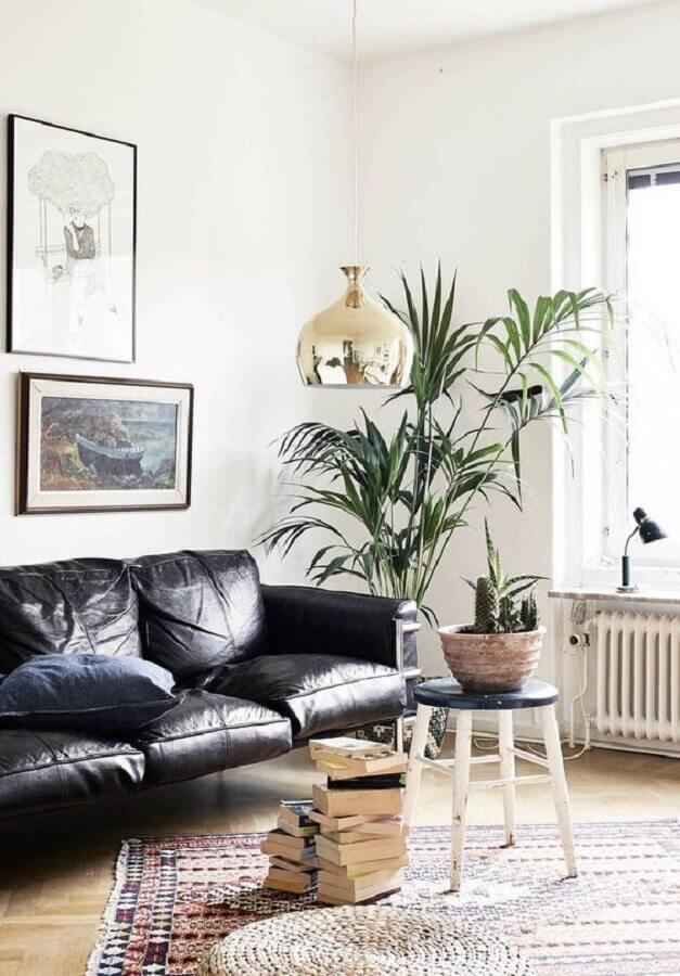 decoração clean para sala com sofá de couro preto Foto Decoholic