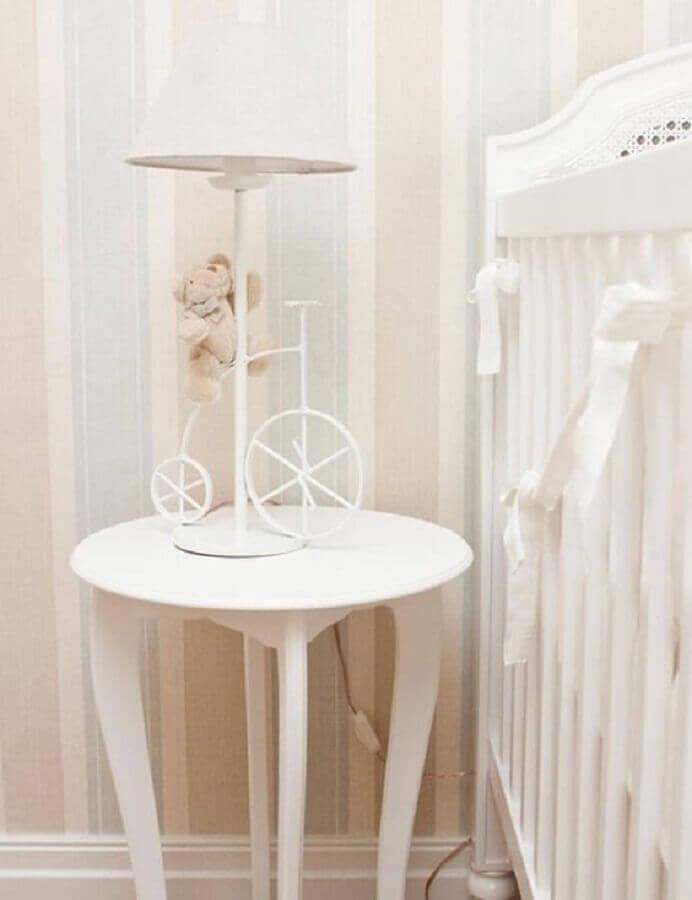 delicado modelo de abajur para quarto de bebê com base em formato de bicicleta com ursinho Foto Pinosy