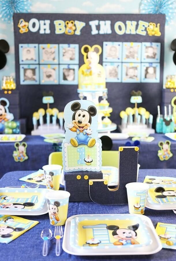 festa do mickey baby decorada com tons de azul Foto Pinosy