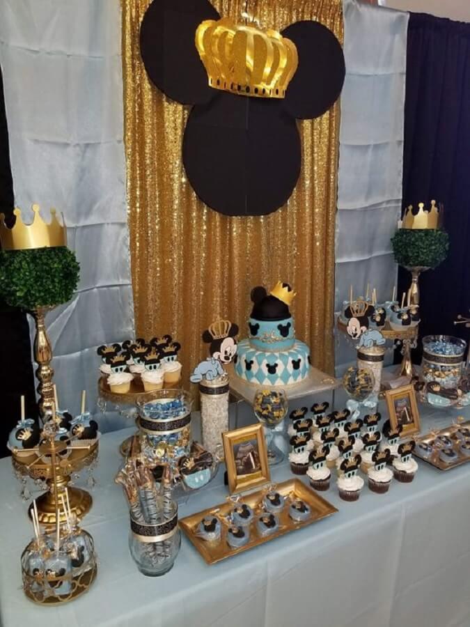 festa do mickey príncipe decorada em azul e dourado Foto Pinosy