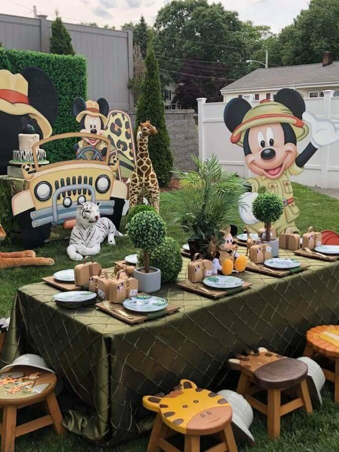 festa do mickey safari ao ar livre Foto Pinosy