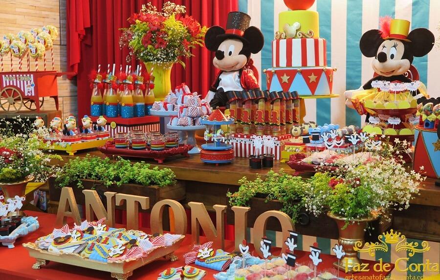 ideia de decoração para festa circo do mickey Foto Happy Birthday World