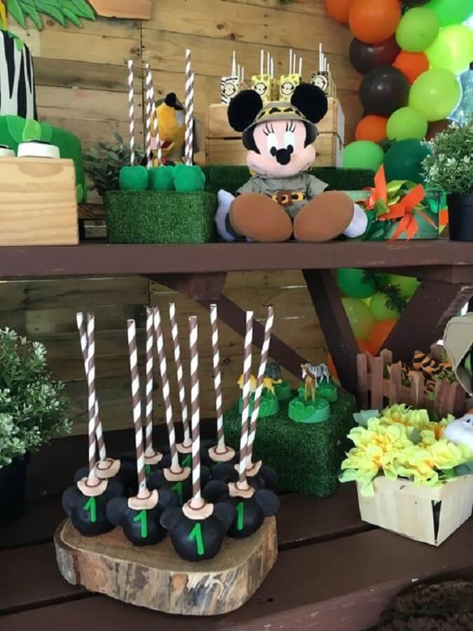 ideias de decoração para festa do mickey safari Foto Pinterest
