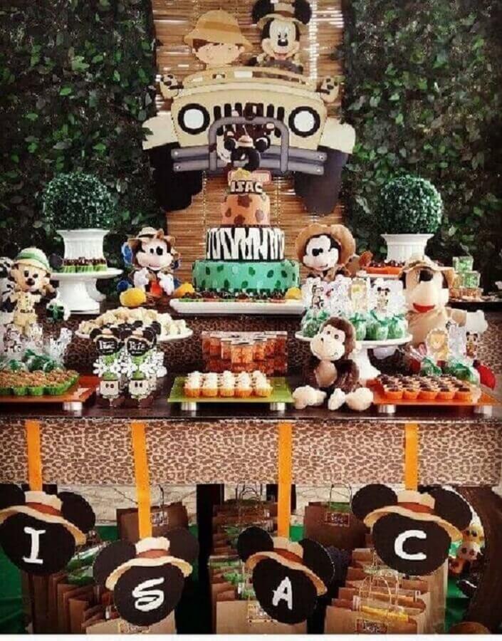 linda decoração para festa do mickey safari Foto Pinosy