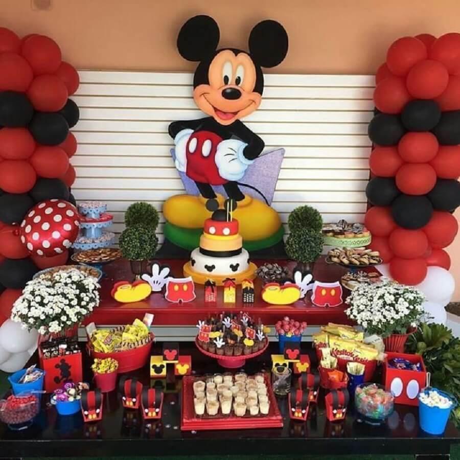 mesa de doces decorada para festa infantil do mickey Foto Pinterest
