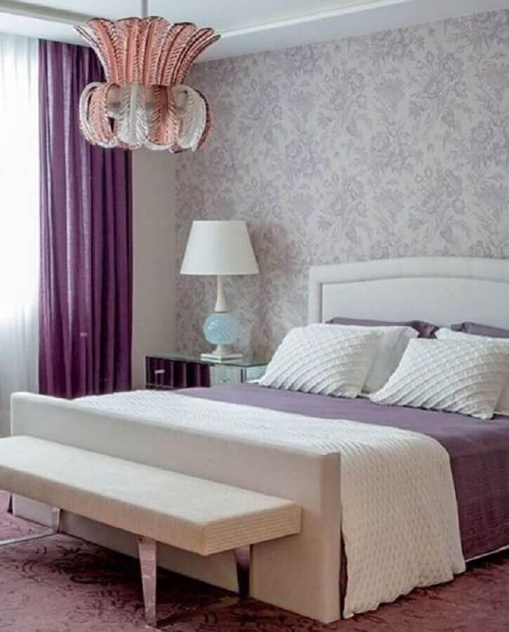 modelo de abajur para quarto feminino decorado em tons de roxo Foto Pinterest