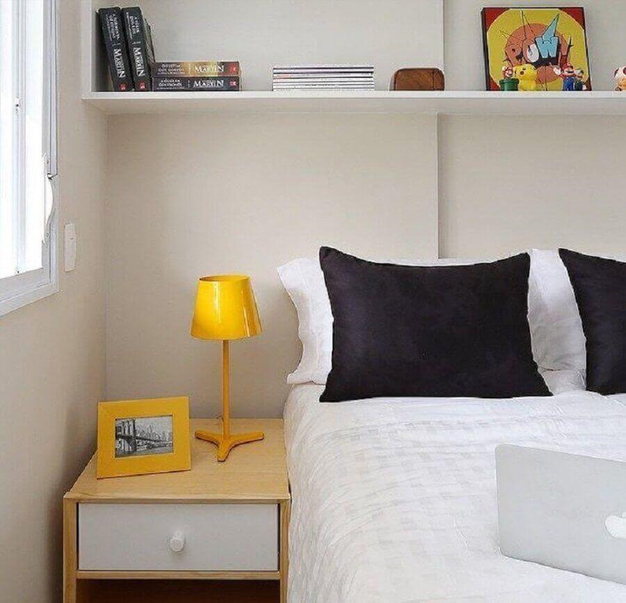 modelo simples de abajur de mesa para quarto clean Foto Márcio Camps Arquitetura