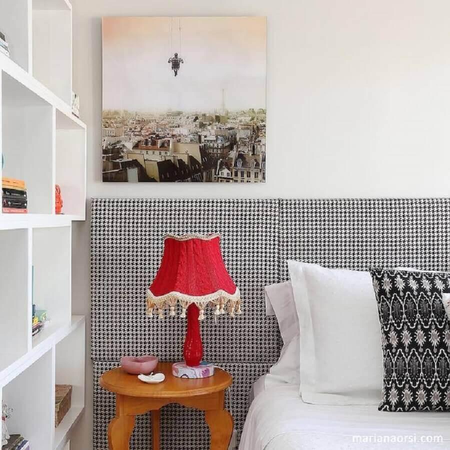 modelo vermelho de abajur para quarto feminino Foto Melina Romano Interiores