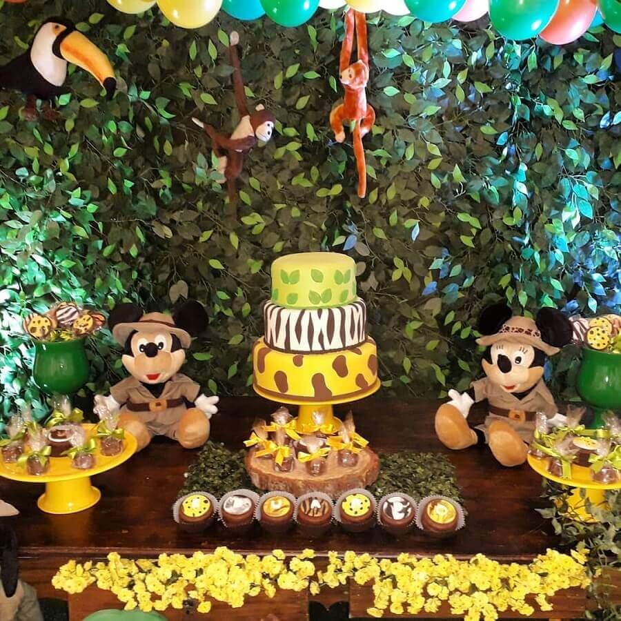 painel de folhagens para festa do mickey safari Foto Pinosy