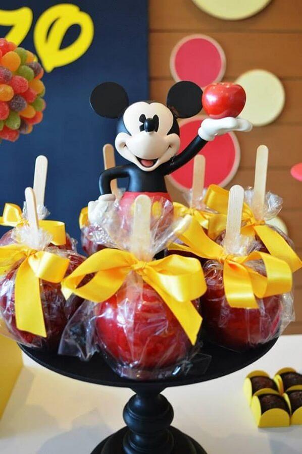 prato de maçã do amor para festa turma do mickey Foto Pinterest