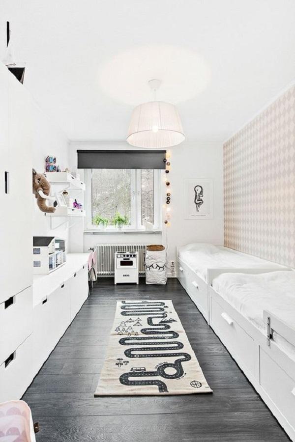 A cama com gavetas é uma ótima alternativa para quartos compartilhados. Fonte: Arkpad