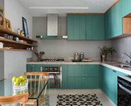Armário de cozinha em L planejada em tons de azul turquesa