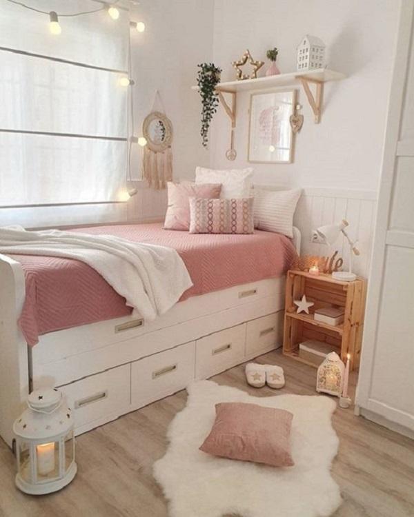 As diversas gavetas da cama ajudam na organização do quarto. Fonte: Pinterest