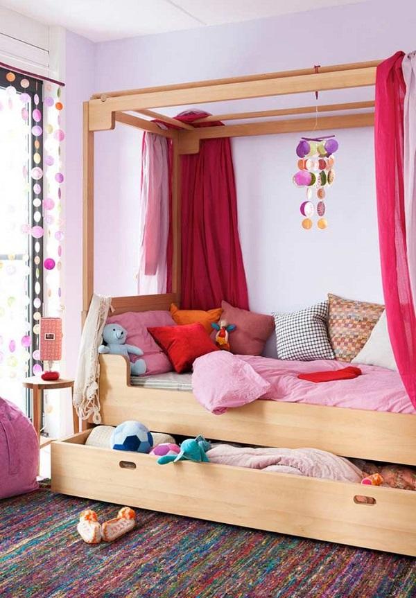 Brinquedos e pelúcias podem ficar guardados na cama com gavetas. Fonte: Revista Viva Decora 2