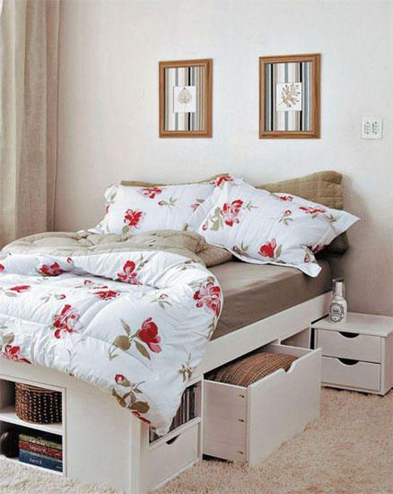 Cama com gavetas - cama com gavetas e módulos brancos na lateral e frente