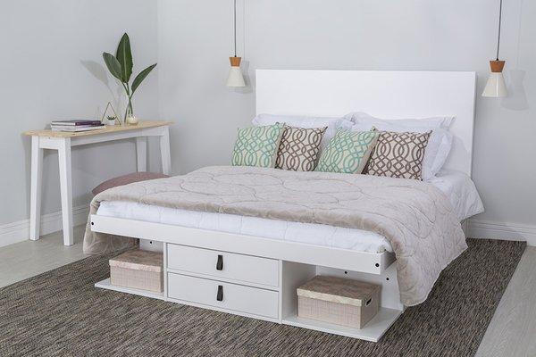 Cama com gavetas - cama de casal com lateral vazada e gavetas