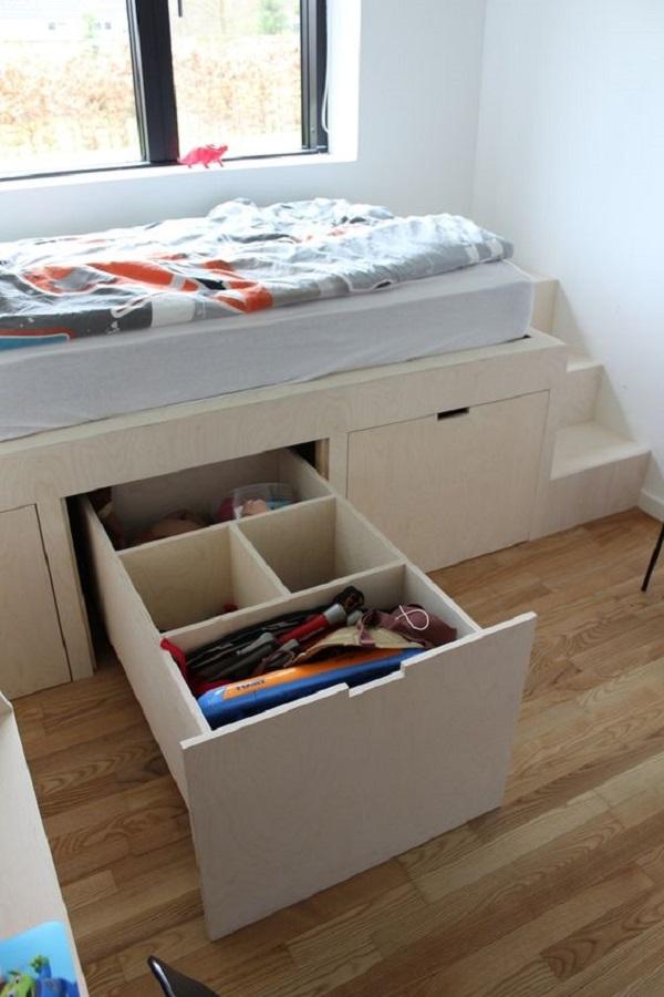Cama com gavetas laterais ajudam na organização do dormitório. Fonte: Pinterest