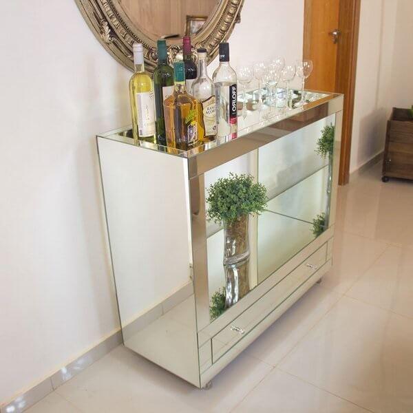 Carrinho bar com vidro espelhado e gaveta