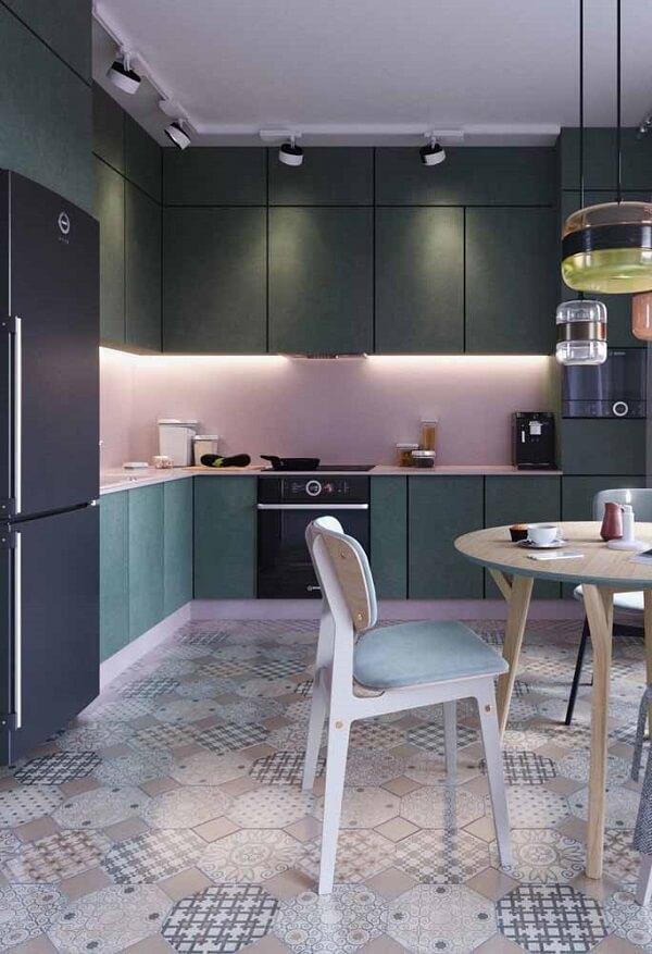 cozinha em l com iluminação especial